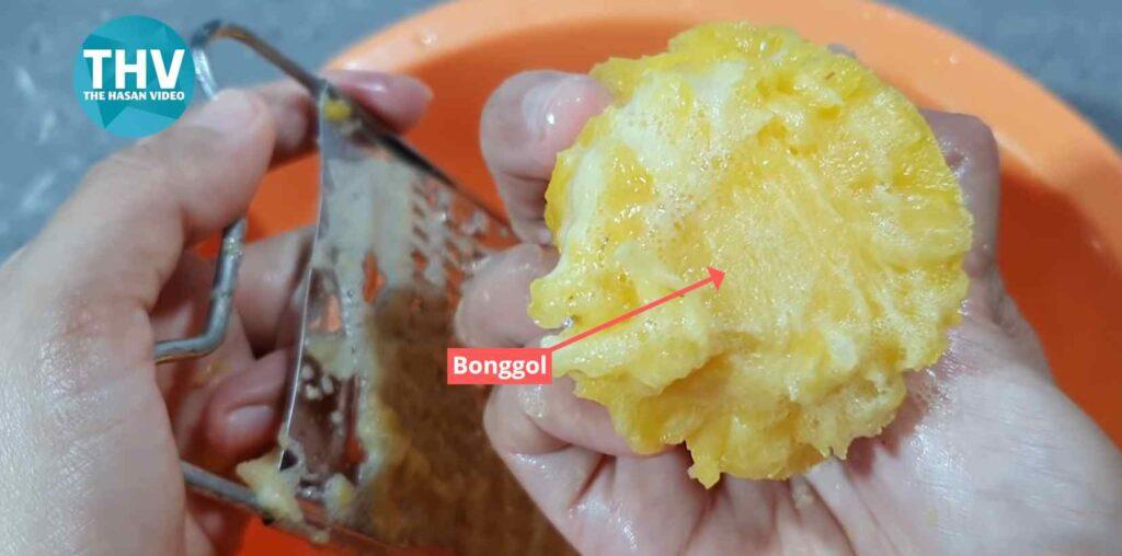 Bagian bonggol nanas yang harus diparut