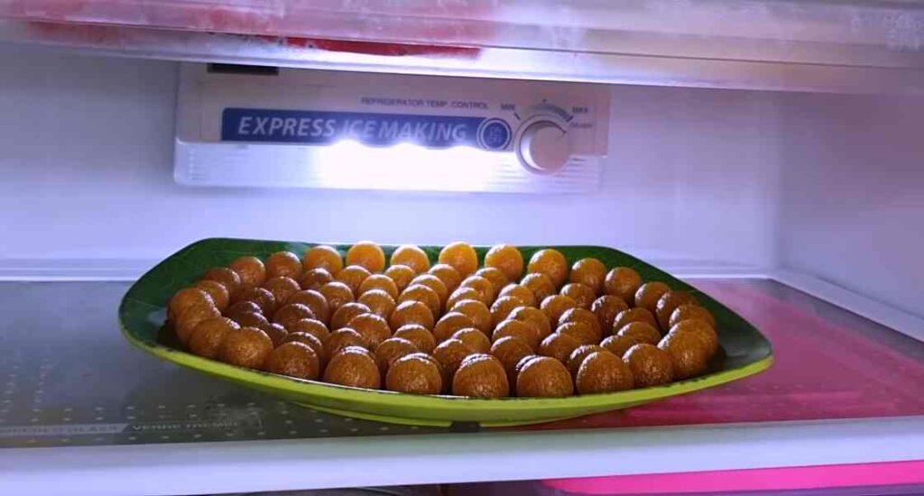 Masukan selai nanas kedalam kulkas agar tahan lama